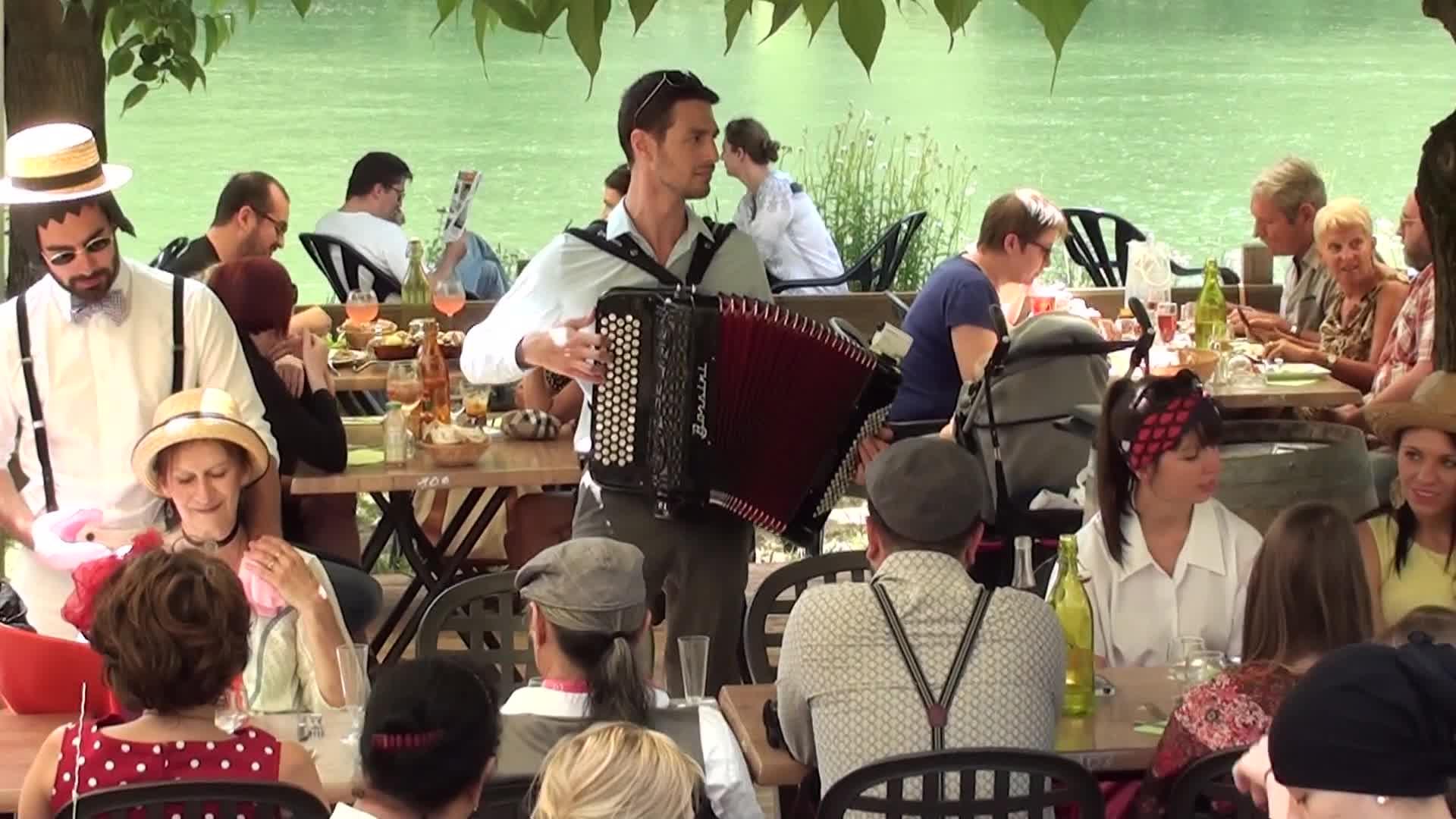 Guinguette au bord de l'eau avec Gregory Chauchat à l'accordéon